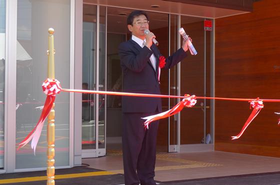開所式にて四街道市長の佐渡斉(ひとし)様から「コープみらいえは、四街道地域の福祉のモデル事業であると思っています。地域のみなさんもコープみらいえに来て交流を深めてください」とご挨拶していただきました。