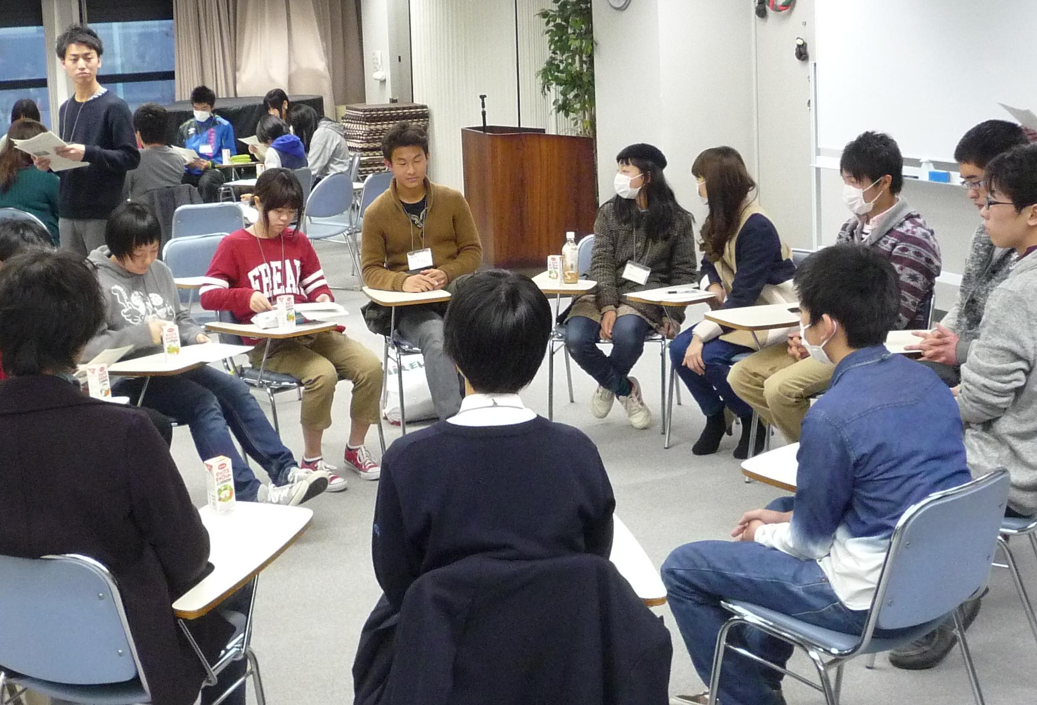 被災地の小中高校生、東京の中高校生の交流の様子
